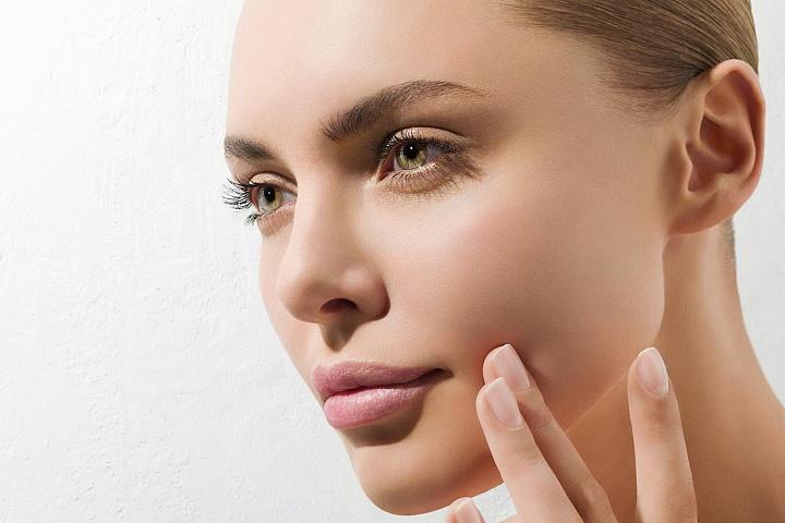 Различные виды чисток лица, увлажняющий уход, пилинг от 19 руб.