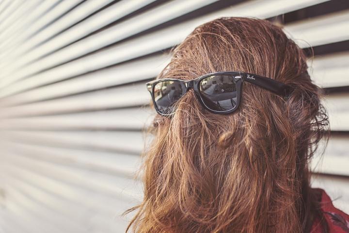 Как вернуть естественный цвет волос: профессиональные и домашние способы